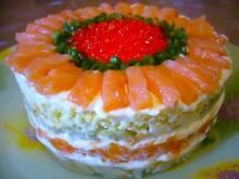 Салат с красной рыбой и майонезом