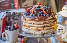 Торт на 14 февраля: как украсить праздничный десерт?