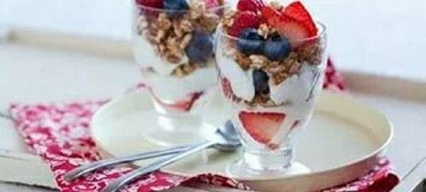 Йогурт в домашних условиях, рецепт с закваской и без с фото и видео