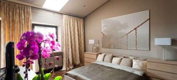 Искусственные цветы для домашнего интерьера спальни: приметы, рекомендации по украшению